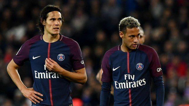 Neymar y Cavani casi se van a las manos en el vestuario, según la prensa francesa