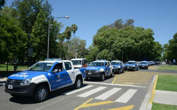 Patrullaje. Los nuevos móviles que presentó días atrás la provincia. Algunos irán con un solo agente policial.