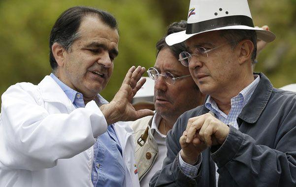 Juntos. Oscar Zuluaga (izq.) junto a su mentor
