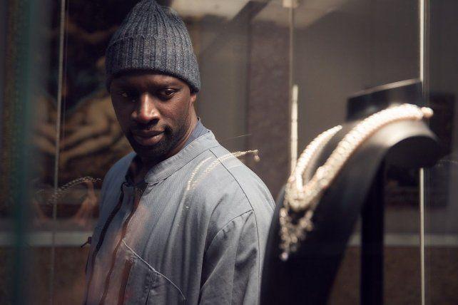 El actor Omar Sy interpreta a Assane Diop