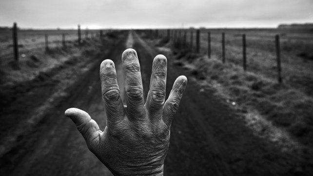 La pretensión de los integrantes de Paren de Fumigarnos es que la muestra del fotoperiodista Pablo Piovano se exponga en cada uno de los lugares que padecen la problemática del uso extensivo de agrotóxicos.