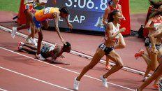 Tropezó, quedó última, se levantó y al final ganó la carrera