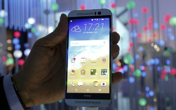 Ultima generación. Las compañías de celulares avanzan en modelos con pantallas plegables e incluso dispositivos con holografía.