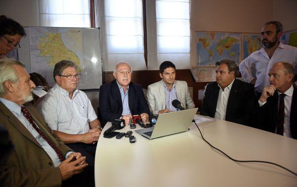 Juntos. Miguel Lifschitz estuvo acompañado por el vicegobernador y los ministros Silberstein