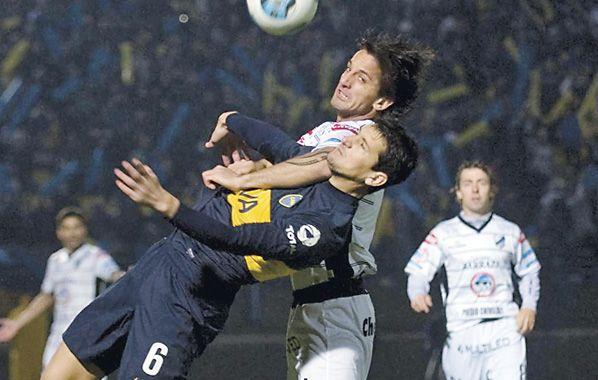 Se cayó. Guillermo Burdisso frente a All Boys. Se contracturó y quedó out.