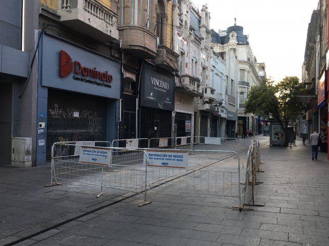Un clásico: otra vez rompen la peatonal Córdoba en pleno diciembre
