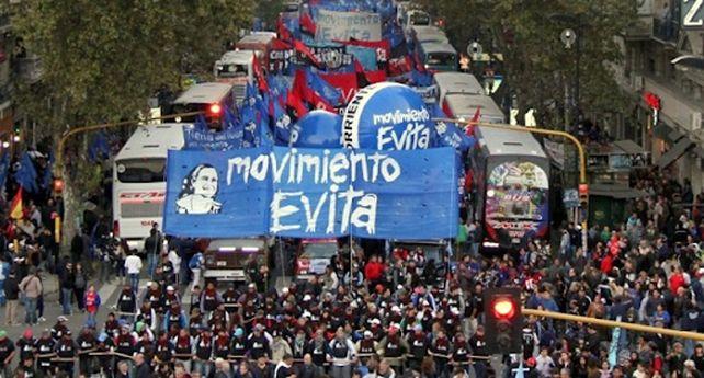 Las organizaciones sociales organizaron una marcha en apoyo a presidente Alberto Fernández.