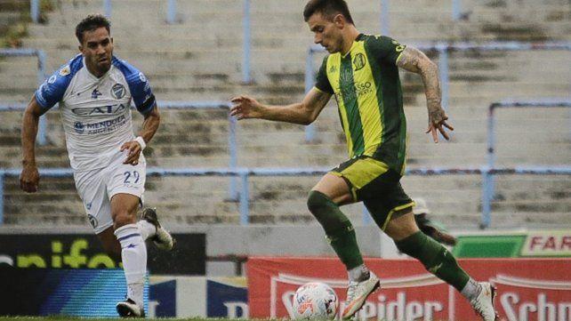 Aldosivi cayó ante Godoy Cruz en el debut de Fernando Gago como DT del Tiburón