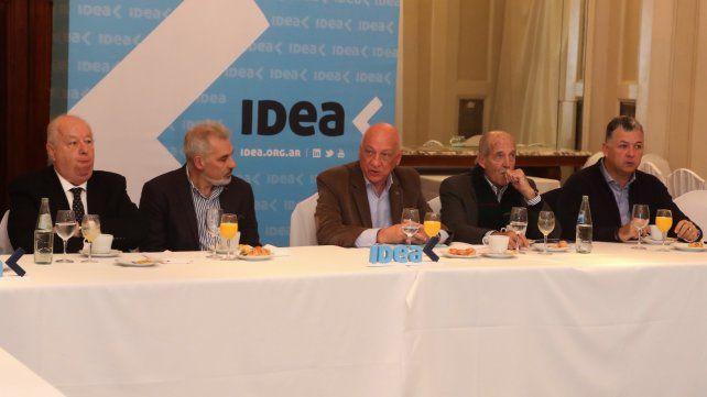 En Idea. El socialista compartió un desayuno con empresarios.