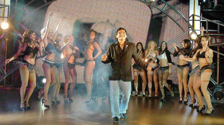 Maradona hizo 40 puntos de rating en el debut de su programa La noche del 10, por canal 13.