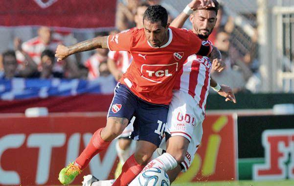 Parda en Santa Fe. El Rolfi Montenegro no pudo llevar a Independiente al triunfo.