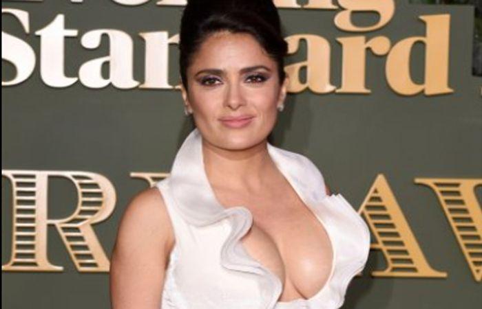 Salma sorprendió a todos en los premios Evening Standard.