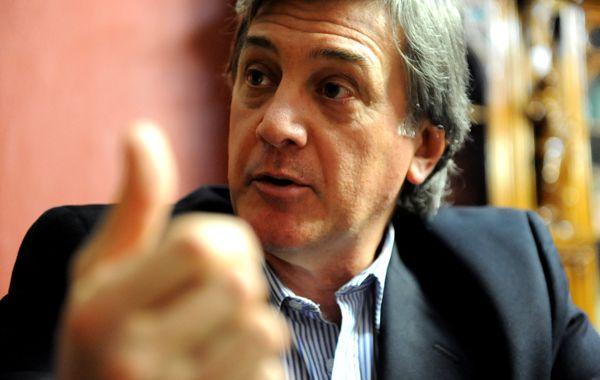 Jorge Boasso ratificó que le disputará a Binner la interna para elegir candidato a diputado nacional. Acusó al socialismo de abusar de otras siglas que integran el Frente Progresista.