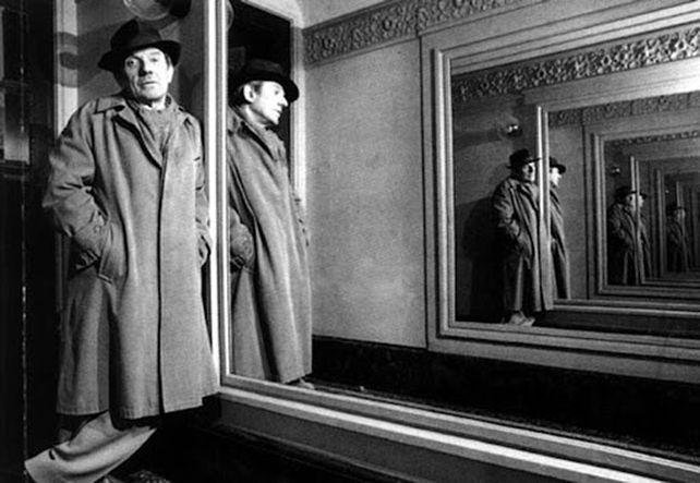 Deleuze, también entre espejos.