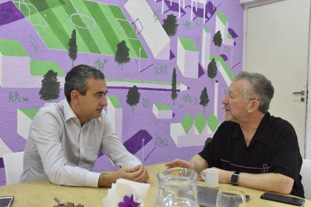 El precandidato a intendente Pablo Javkin se reunió con el especialista en movilidad José Luis Moscovich.
