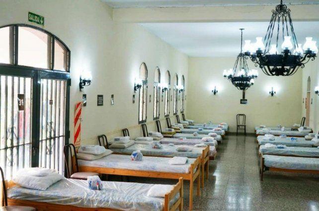 El centro de aislamiento creado por el municipio de Venado Tuerto funcionó en el campo del Instituto Santa Rosa.