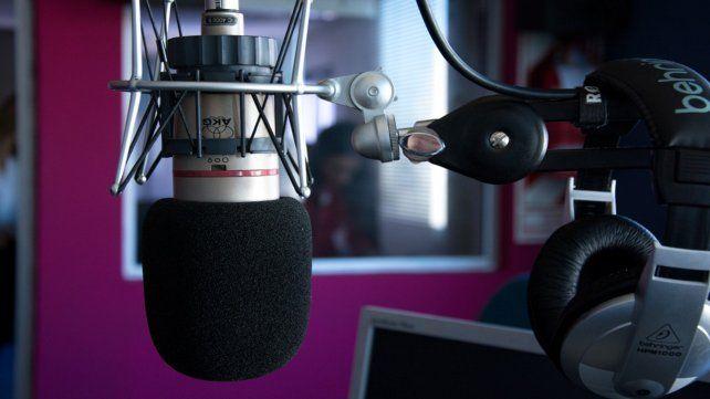 Coronavirus: por un positivo y varios casos sospechosos, una radio suspendió su programación