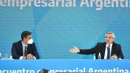 El jefe del gobierno de España, Pedro Sánchezuna, y el presidente Alberto Fernández.