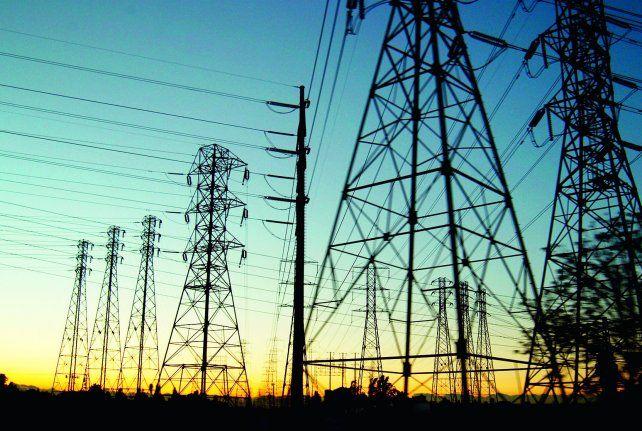 La demanda de energía eléctrica cayó en abril al nivel más bajo desde 2013