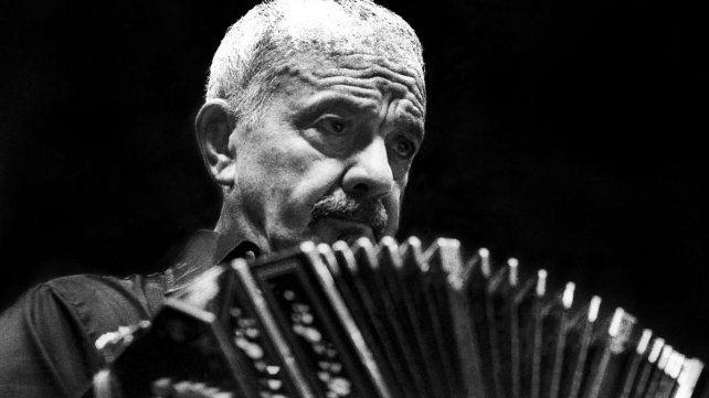 Piazzolla nació el 11 de marzo de 1921 en Mar del Plata.
