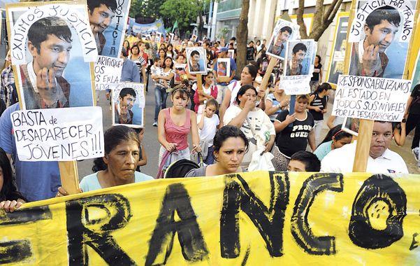 Cientos de rosarinos reclamaron justicia y el rápido esclarecimiento de la muerte de Franco Ezequiel Casco. (Foto: L.Vincenti)