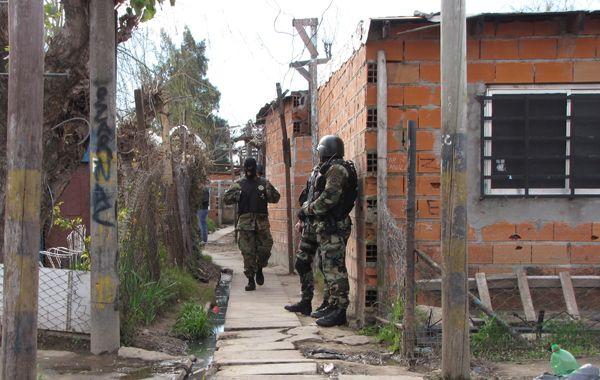 Varios operativos policiales desmantelaron kioscos y búnkers de drogas.