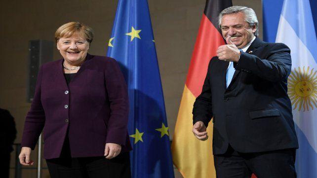 Buena sintonía. Alberto Fernández inició su gira por Alemania