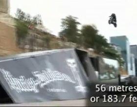 Harley-Davidson con alas: bate el récord de vuelo saltando 55,99 metros