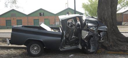 Belgrano y Tucumán: murió tras chocar contra un árbol con su camioneta