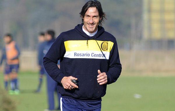 De frente. Caranta apunta a que el equipo fortalezca la mentalidad y logre un crecimiento desde lo futbolístico.