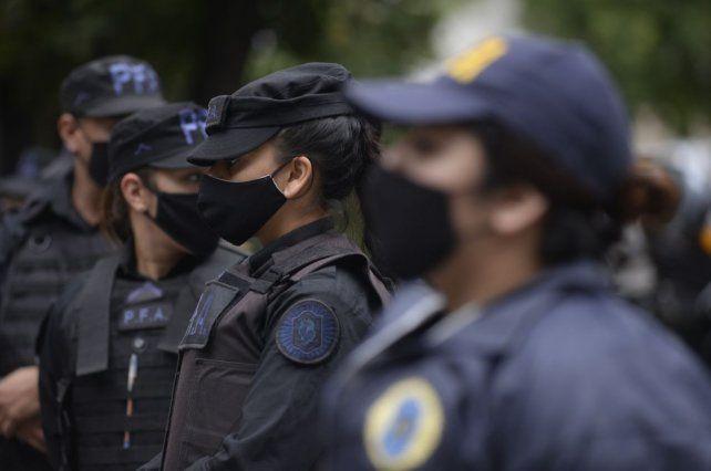 Los agentes policiales denunciados pro violencia de género en su ámbito laboral o familiar serán evaluados.