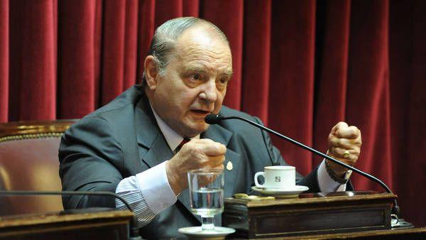 El senador kirchnerista Salvador Cabral lanzó una polémica teoría sobre la muerte de Alberto Nisman.
