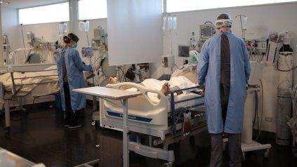 Rosario reportó este jueves 16 de los 20 fallecimientos por coronavirus Covid-19 que se registraron en la provincia de Santa Fe en las últimas 24 horas.