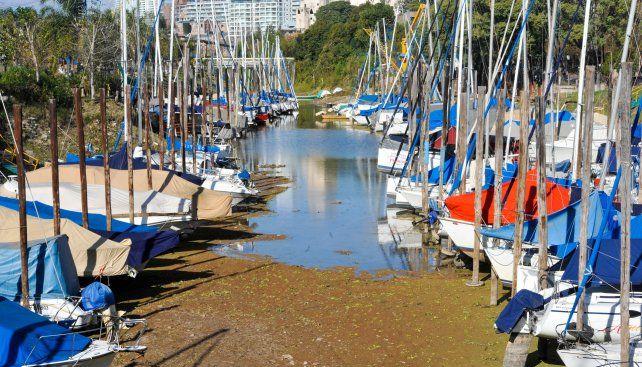 Por la bajante, la recaudación de las guarderías náuticas cayó un 20%. La altura del río, las restricciones a la navegación y la temporada invernal son un cóctel explosivo para la actividad.