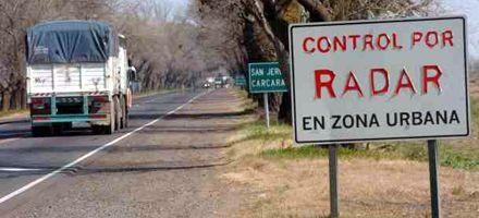 La Defensoría pedirá que declaren nulas y suspendan multas por radares