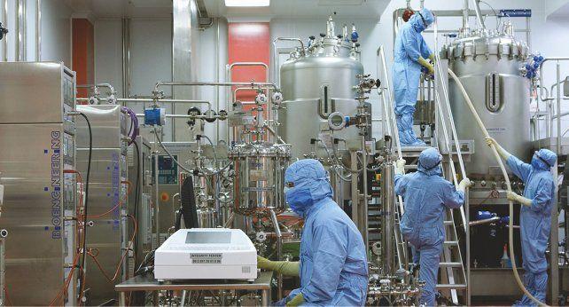 Una planta de fabricación de vacunas del Serum Institute, el mayor productor de vacunas del mundo. Está dejando de enviar vacunas al COVAX para dar prioridad a la India.