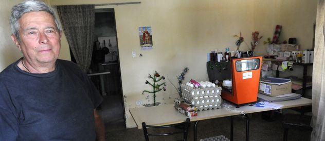 Solucion. Rinaldo y su mujer tuvieron que buscar heladeras prestadas para no perder los alimentos que venden.