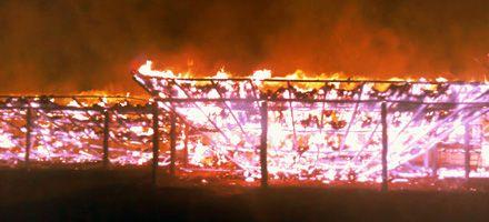 El gobierno dice que fue intencional el incendio del quincho donde estuvo Moreno