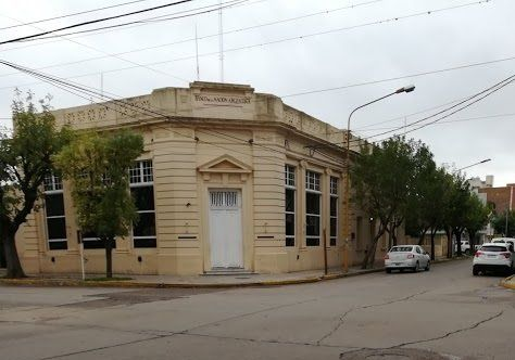 Sucursal del Banco Nación en Firmat.