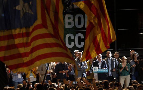 Artur Mas celebra en el barrio barcelonés de El Borne.