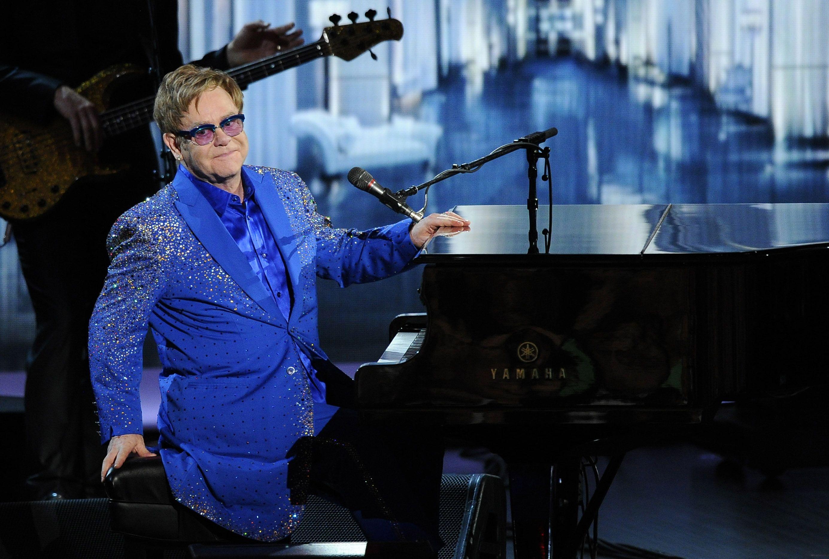 El hombre del piano. Elton John vuelve a demostrar su vigencia con su primer álbum solista en siete años.