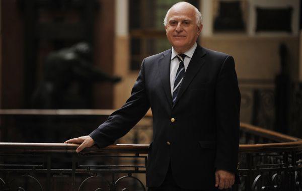 El ex intendente de Rosario cree que la provincia puede despegar rápido en materia económica si cambia el gobierno nacional.