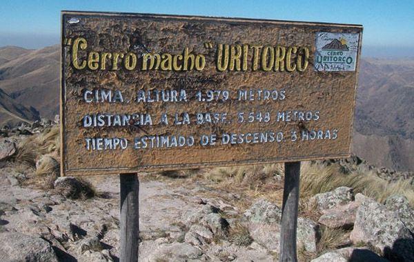 Cerrado por prevención.  Grupos de meditación que acuden al cerro indican que se ha malinterpretado la fecha.
