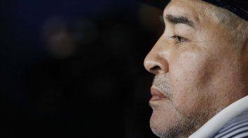 Maradona. Un Dios pagano, vulnerable y contradictorio. Un dios humano.