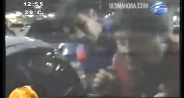 Un funcionario paraguayo se tragó un cheque al ser capturado in fraganti