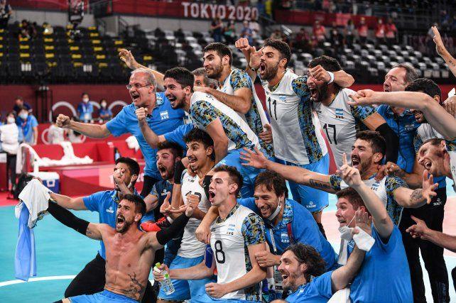 El seleccionado argentino masculino de vóleibol le ganó a Brasil y conquistó la medalla de bronce en Tokio 2020.