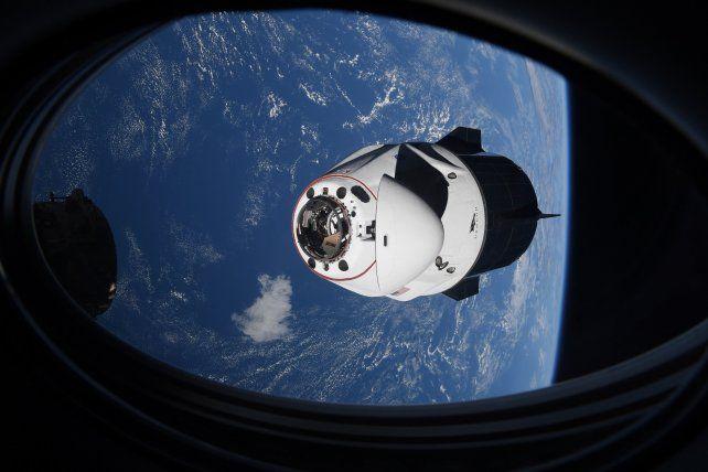La nave de SpaceX que llevó a cuatro astronautas a la Estación Espacial Internacional estuvo a punto de chocar con un Ovni.
