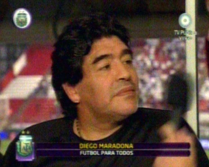 Maradona: Tengo que hablar seriamente con Messi