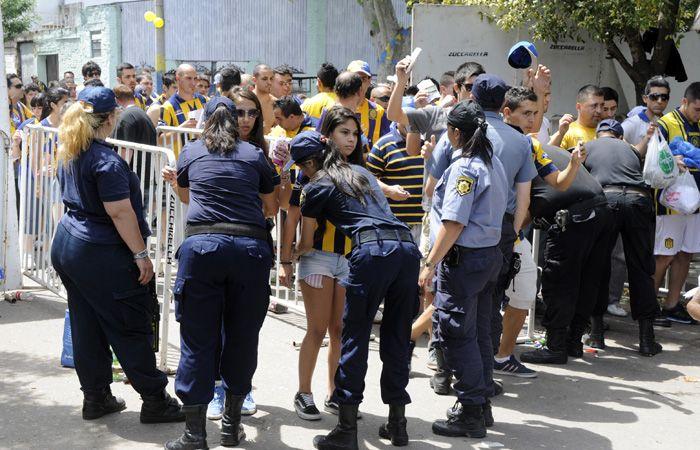 Unos 700 uniformados estarán apostados en el estadio Gigante de Arroyito.