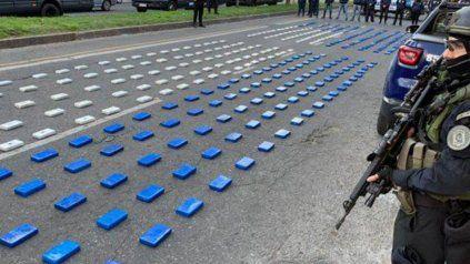 Compraron 31 autos: imputaron a los detenidos que cayeron con 400 kilos de cocaína en Rosario